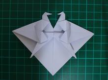 愛心加上紙鶴─雙紙鶴愛心,加倍向愛人傳達自己的愛意與祝福